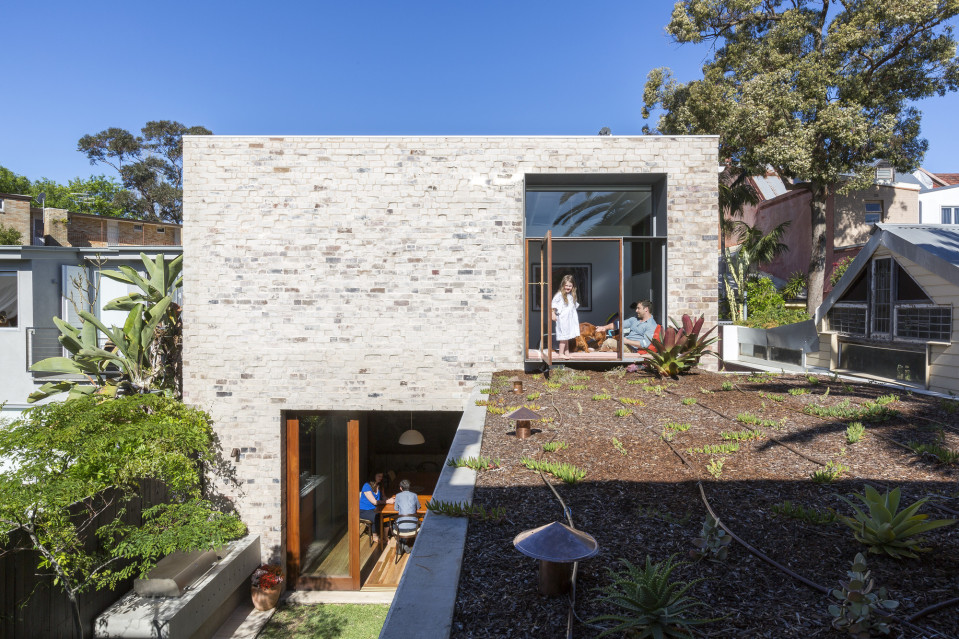 Courtyard House 1