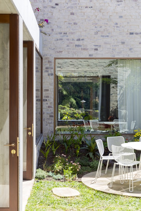 courtyard house 12